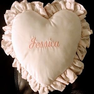 "Heart-shaped ""Jessica"" pillow in pink & white"
